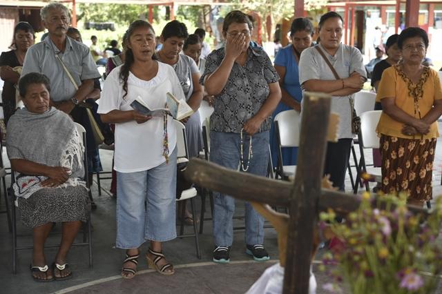 México: qué se sabe de fosas halladas donde desaparecieron estudiantes