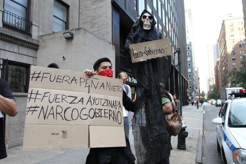Yo Soy 132 Nueva York pide justicia por desaparecidos en Iguala