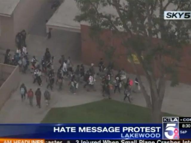 Investigan incidentes de odio en dos escuelas de LA