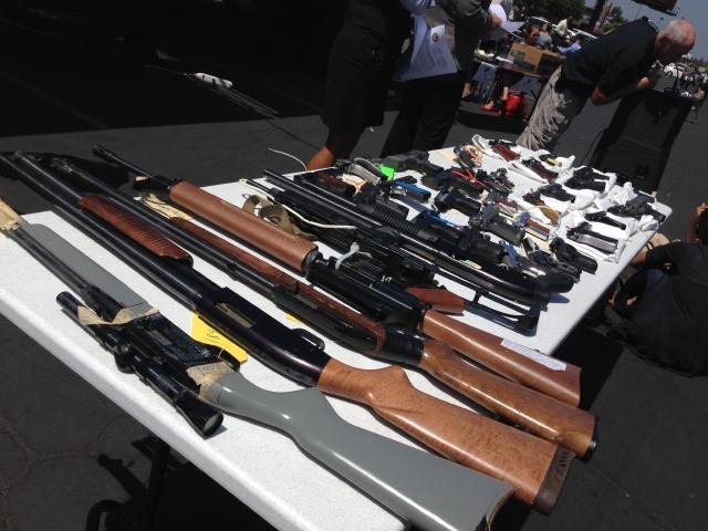Fiscales piden más control a la venta de armas