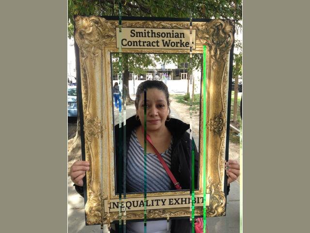 """Activistas llevan """"Exposición de la pobreza"""" a museo de Washington"""