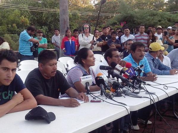 Padres de desaparecidos en Iguala no aceptan declaraciones de PGR