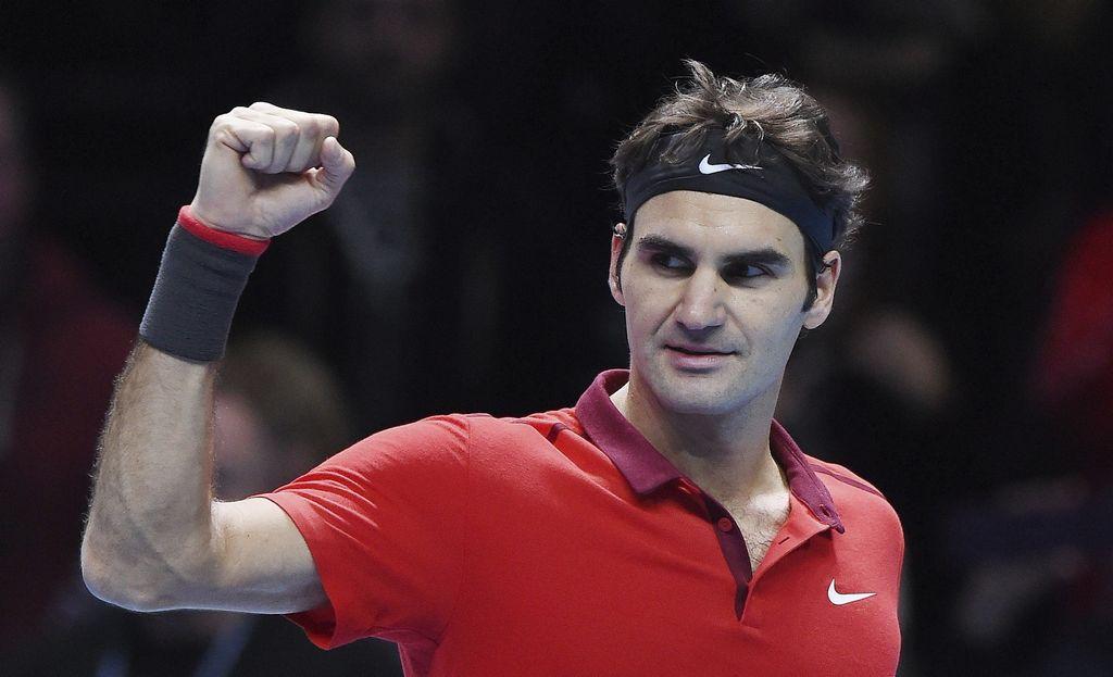 Federer vence a Nishikori en el Masters de Londres