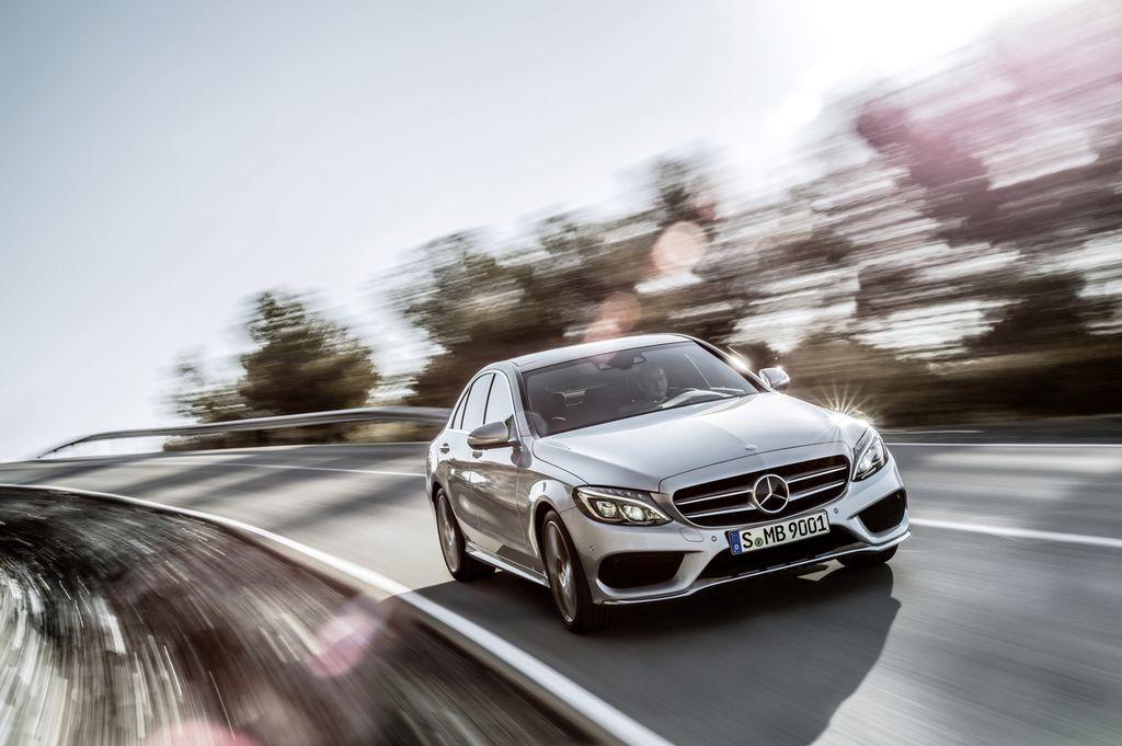 Mercedes Benz cambiará la forma en que identifica sus vehículos
