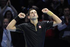 Djokovic vence a Wawrinka y está cerca de asegurar el número uno