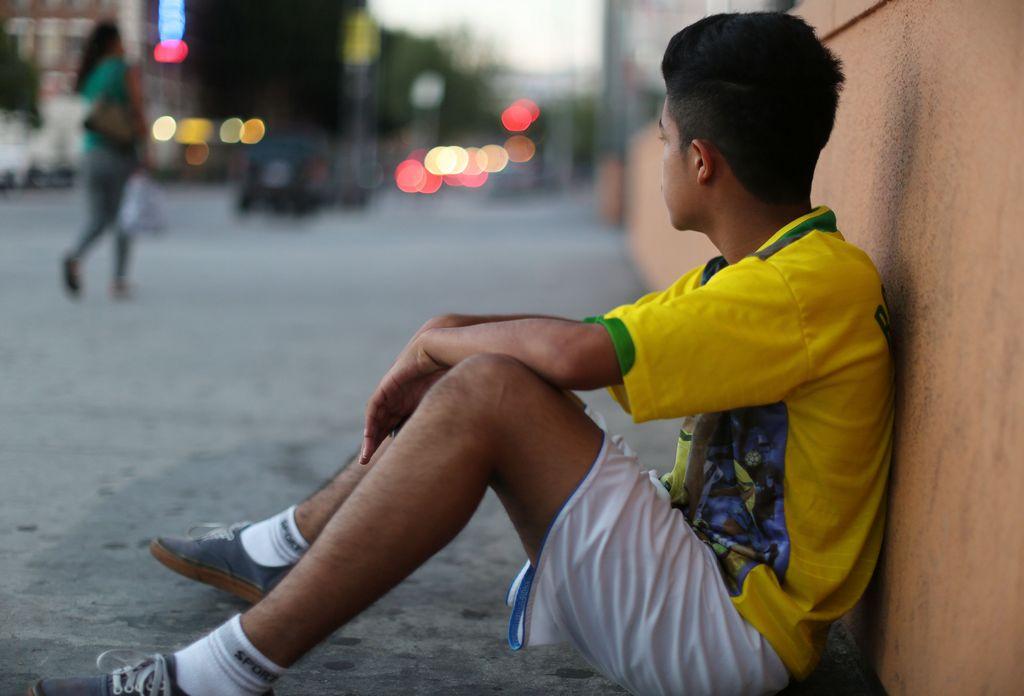 Gerson López, de 15 años de edad, salió de San Salvador, huyendo de la violencia incontrolable que se vive en el país.