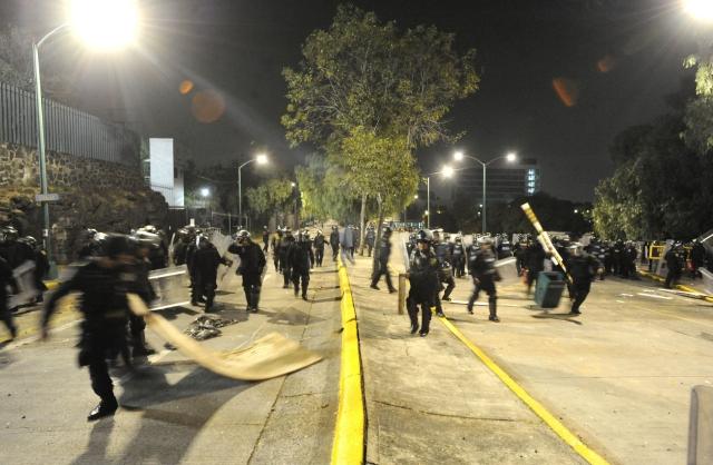 El gobierno da señales de impaciencia ante las protestas