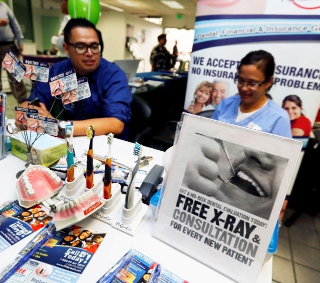 Feria de servicios dentales gratuitos en Pomona