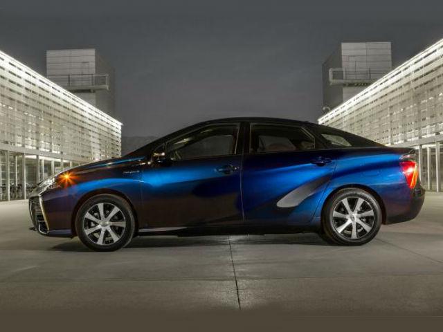 """Toyota develó el """"Mirai"""" el nuevo vehículo de Hidrógeno"""