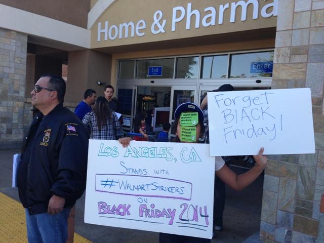 """Piden a clientes de Walmart olvidar el """"viernes negro"""""""