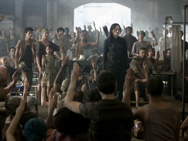 La penúltima entrega de 'The Hunger Games' sigue en el primer lugar.