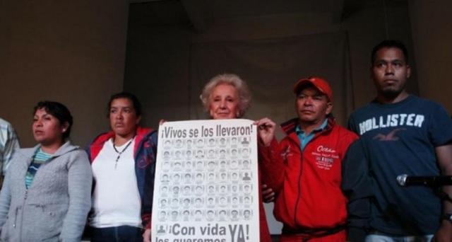 """Estela Carlotto llegó a México para """"llamar al pueblo a que haga carne propia de esto que pasa""""."""