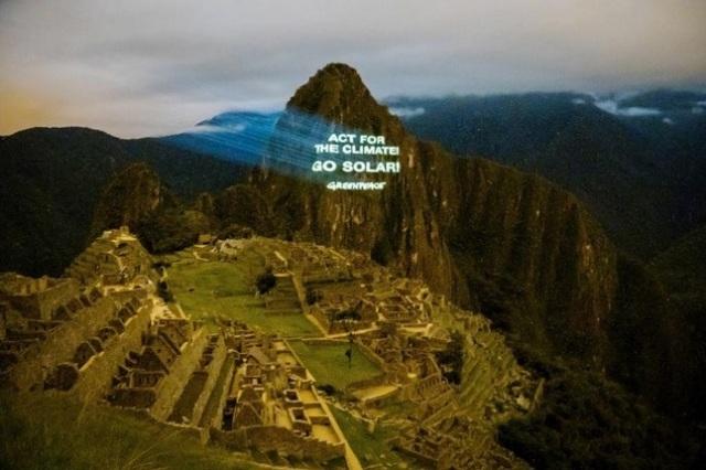 Los activistas llegaron al país sudamericano con motivo de la vigésima Conferencia de las Naciones Unidas sobre el Cambio Climático (COP20), que comienza mañana en Lima.