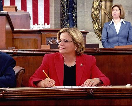 La representante Ileana Ros-Lehtinen (FL) apoya la reforma migratoria.