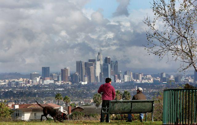 Hace fresquito y el cielo está nublado; sí, por fin ha llegado el otoño a Los Ángeles