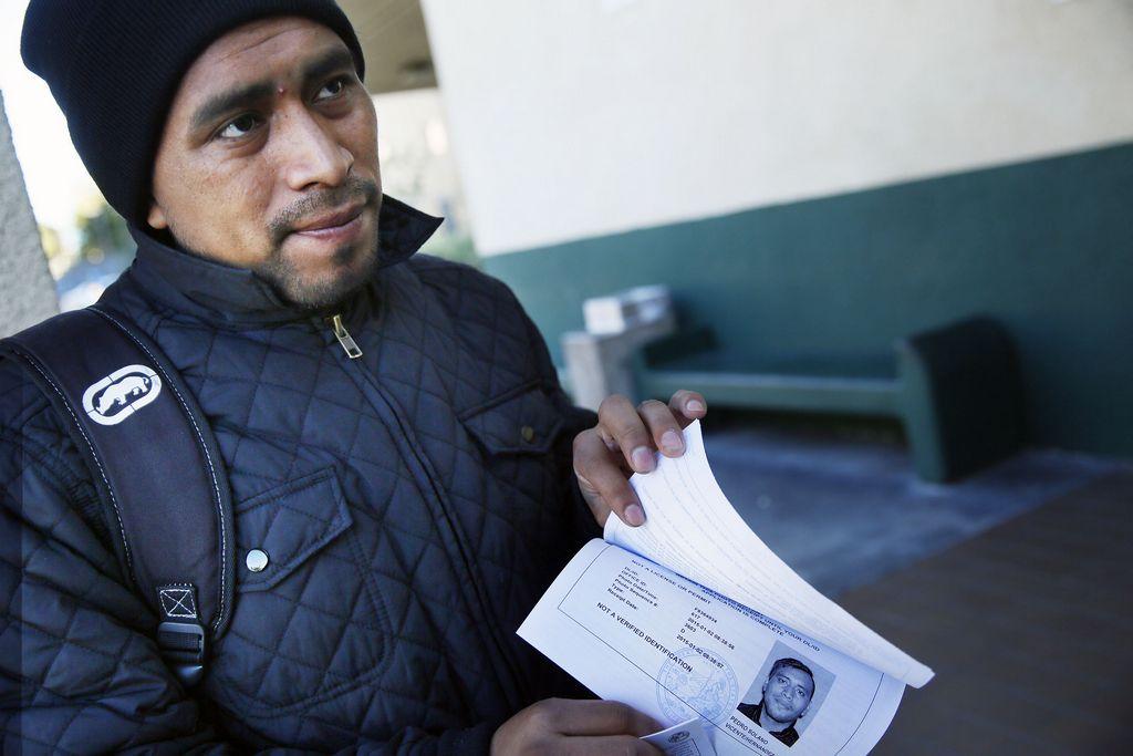 Indocumentados obtienen permisos de manejo en California