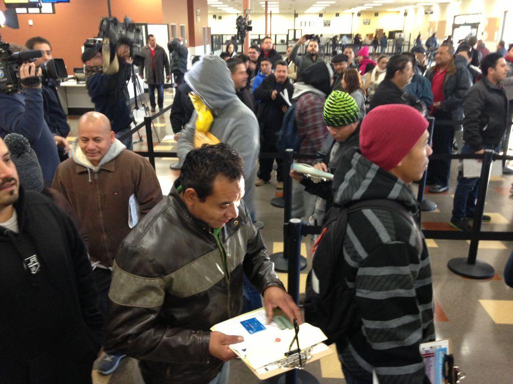 Inmigrantes van por licencias a Lincoln Heights