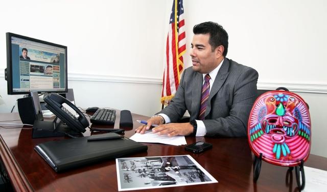 Hispanos lideran   comités de la legislatura estatal