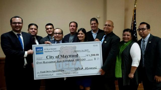 Exalumnos de UCLA ayudan a ciudades del sureste de LA