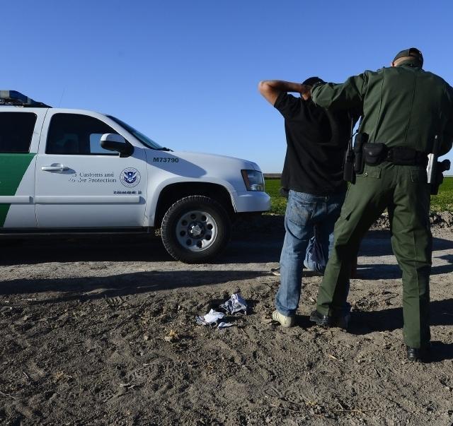 Fracasa intento republicano para frenar alivios migratorios