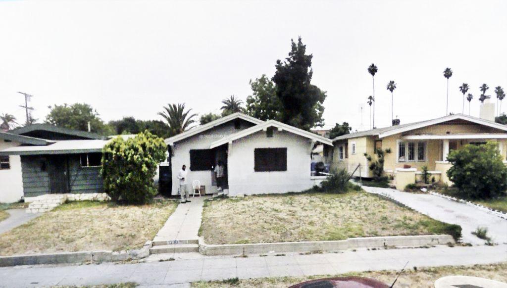 """Clausuran tres """"tienditas"""" en Hollywood y Sur de Los Ángeles"""