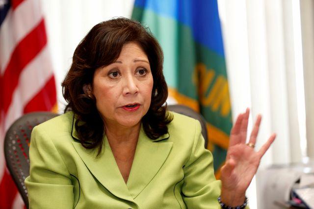 Hilda Solís: los supervisores son como mini gobernadores