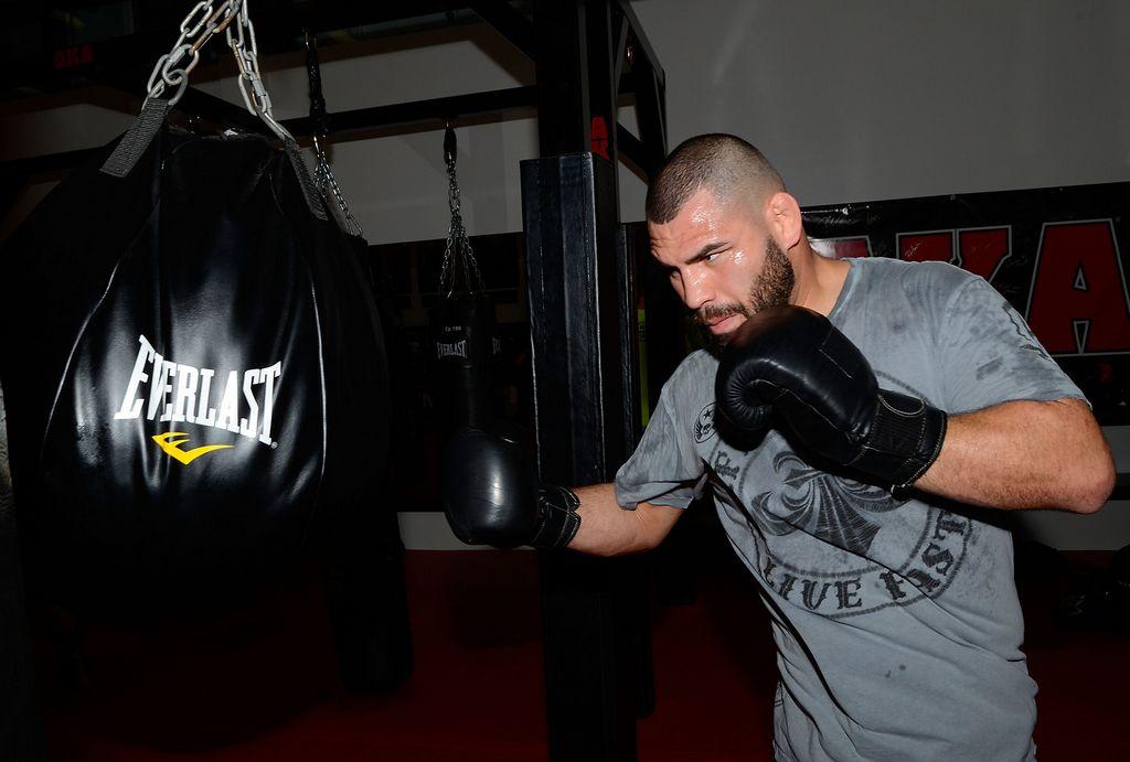 Caín Velásquez cumplirá su sueño de pelear en México
