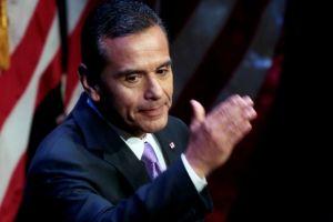 Antonio Villaraigosa no competirá por el escaño en el Senado de EEUU