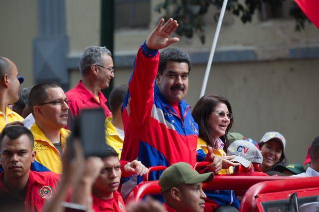 Maduro ordenó a EEUU reducir los funcionarios diplomáticos de su embajada en Caracas.