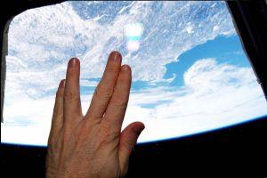 El tributo máximo para Nimoy, desde el espacio