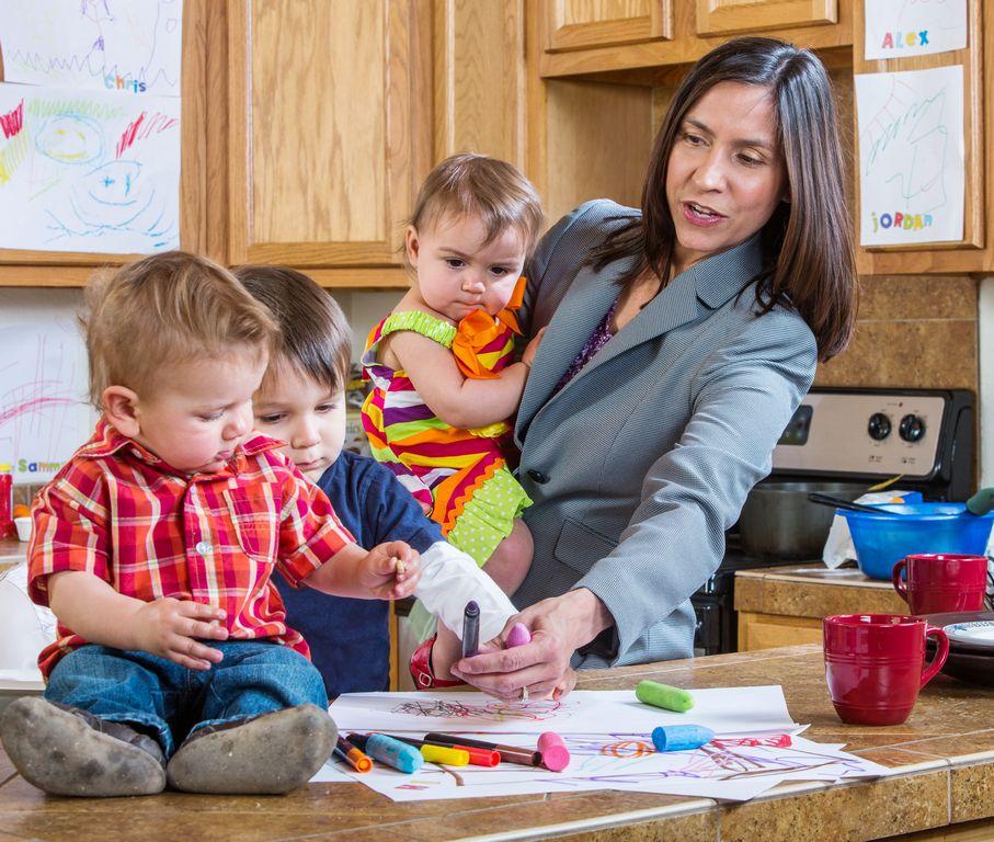 Mujeres y madres trabajadoras: características y estadísticas