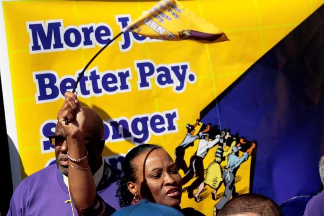 Editorial: Equidad  para  la  trabajadora