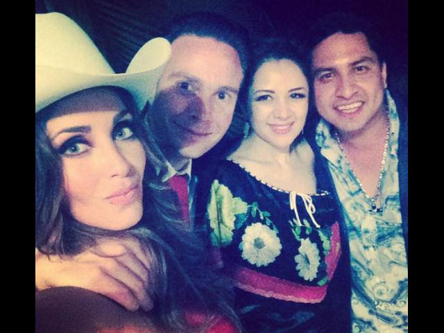 Julión Álvarez dice que actuaría gratis en la boda de Anahí
