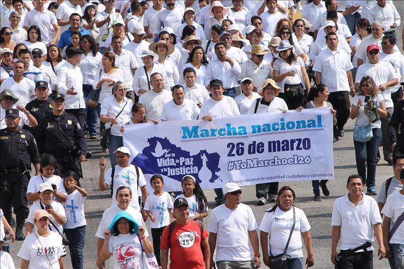 Marcha contra la violencia  reúne a medio millón en El Salvador