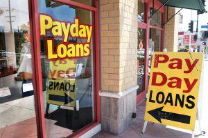 Obama promueve medidas para proteger consumidores de préstamos usureros