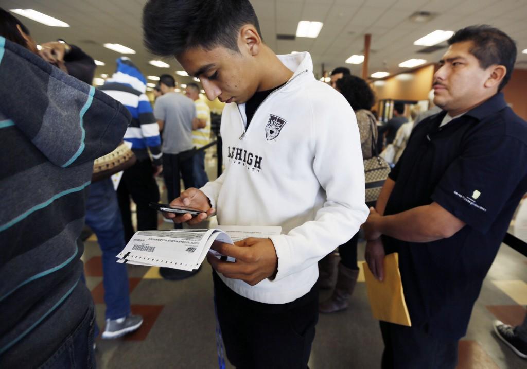Inmigrantes no paran de madrugar por licencias de manejo