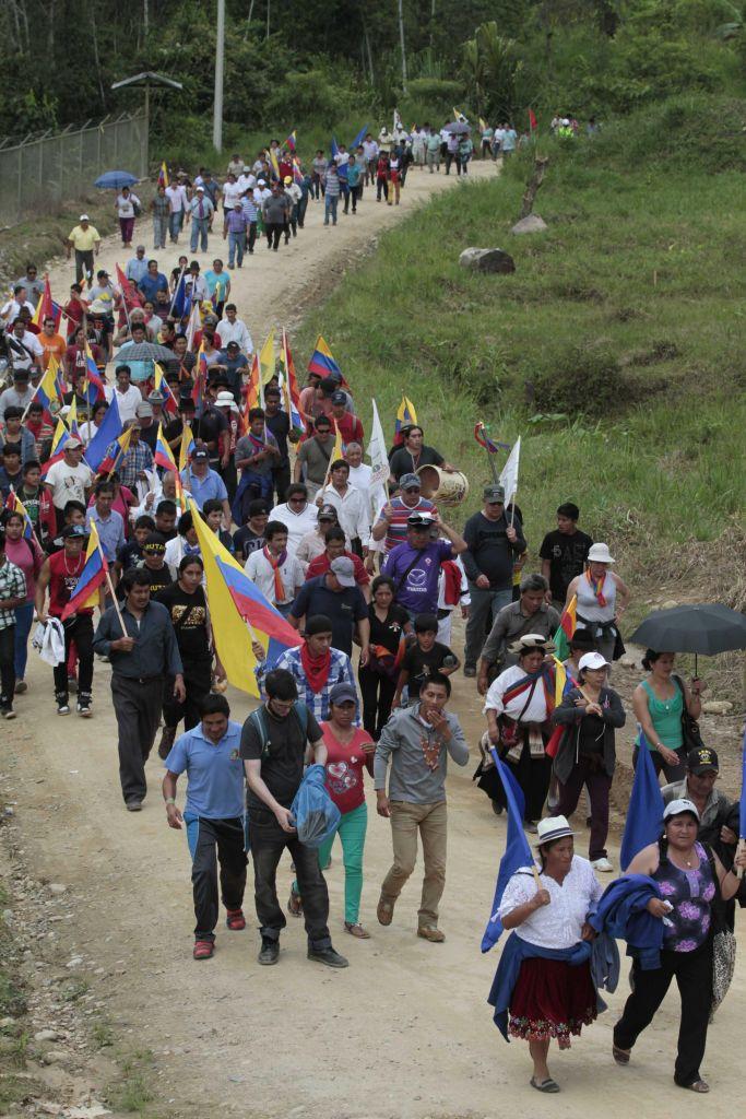 Avanza marcha de indígenas pese a oposición oficial