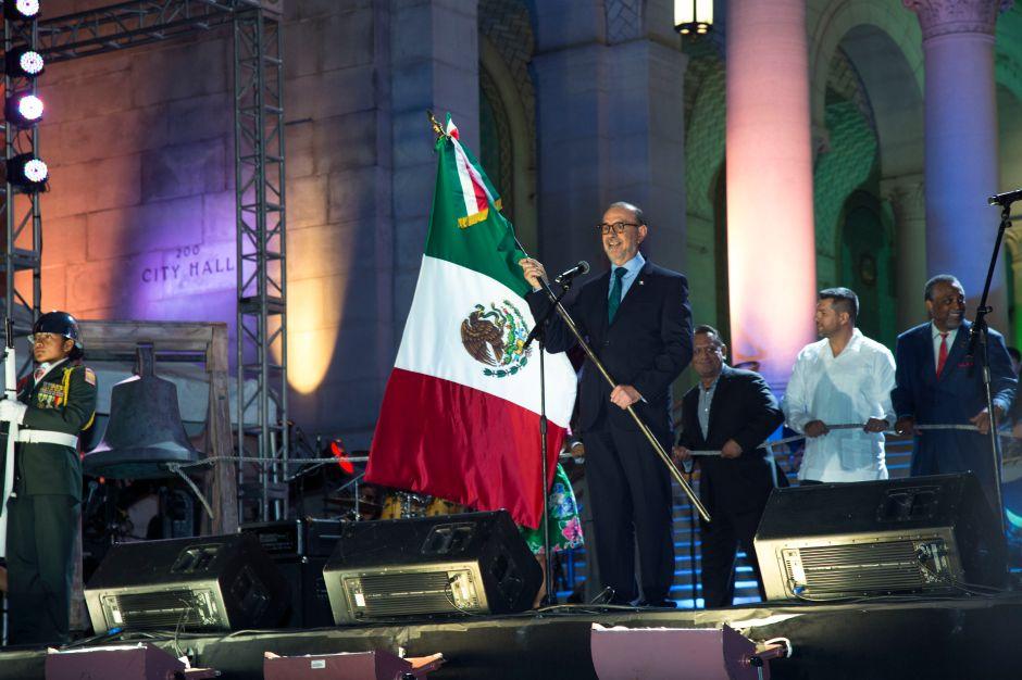Mexicanos celebran con un desolado Grito de Independencia en LA