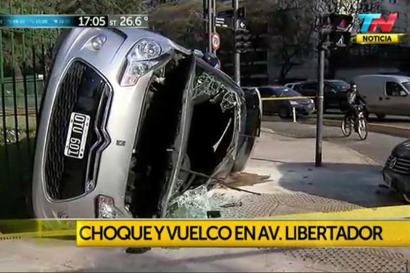 Iván Zamorano y su esposa sufren accidente en Buenos Aires