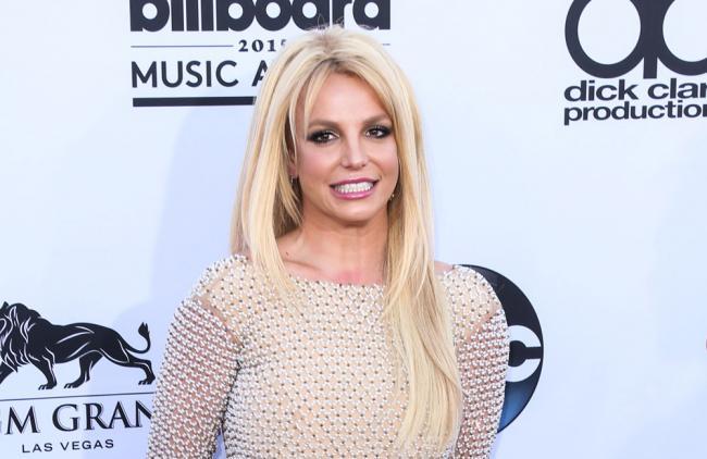 Video: Britney Spears presumió su figura haciendo ejercicio