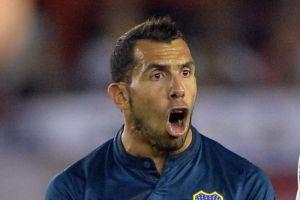 Tevez no será castigado por fracturar a un rival
