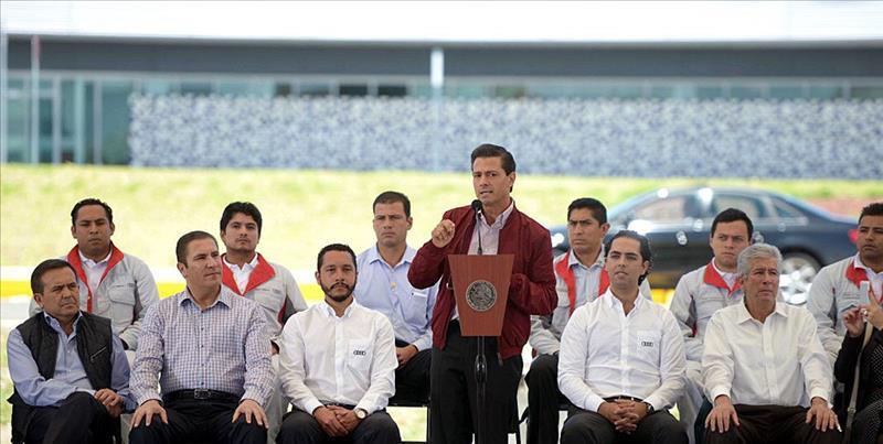 Iguala: Padres de los 43 buscan que Peña Nieto ordene reestructurar investigación
