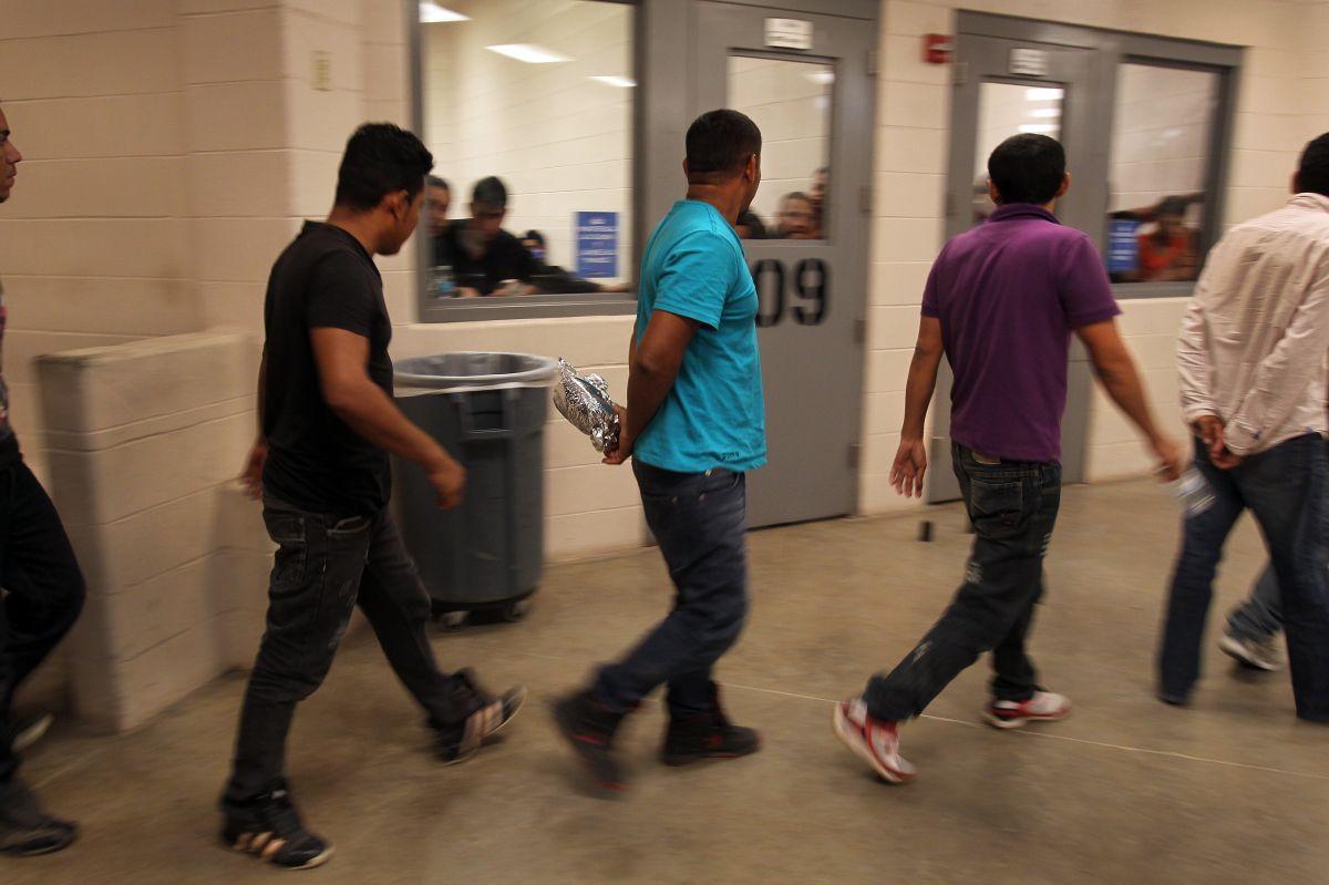 """Madre a juez de migración: """"No envíe a mi hijo a la muerte"""""""