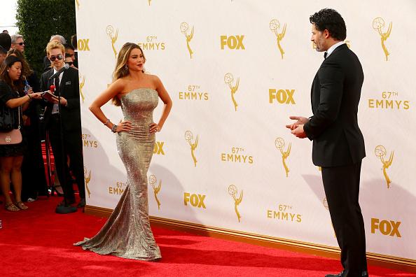 Color y calor en la alfombra de los Premios Emmy