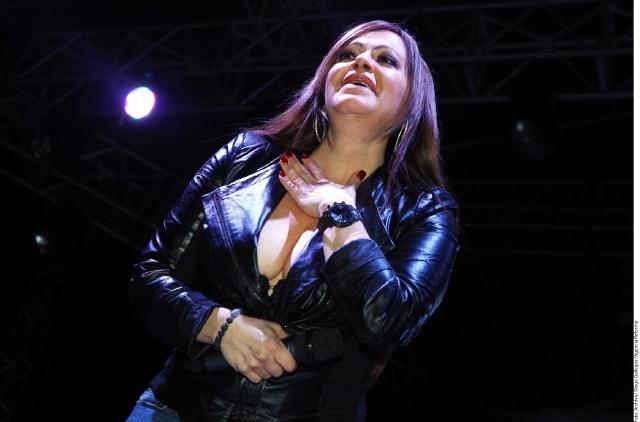 Rosie Rivera, ¿prohíbe a su padre lanzar temas inéditos de Jenni?