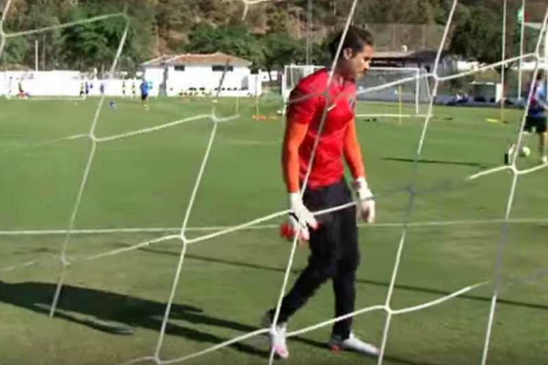 Ochoa y Kameni siguen sin hablarse (VIDEO)