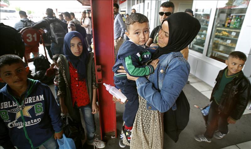 Obama ordena que EEUU acoja a 10,000 refugiados sirios en el nuevo año fiscal