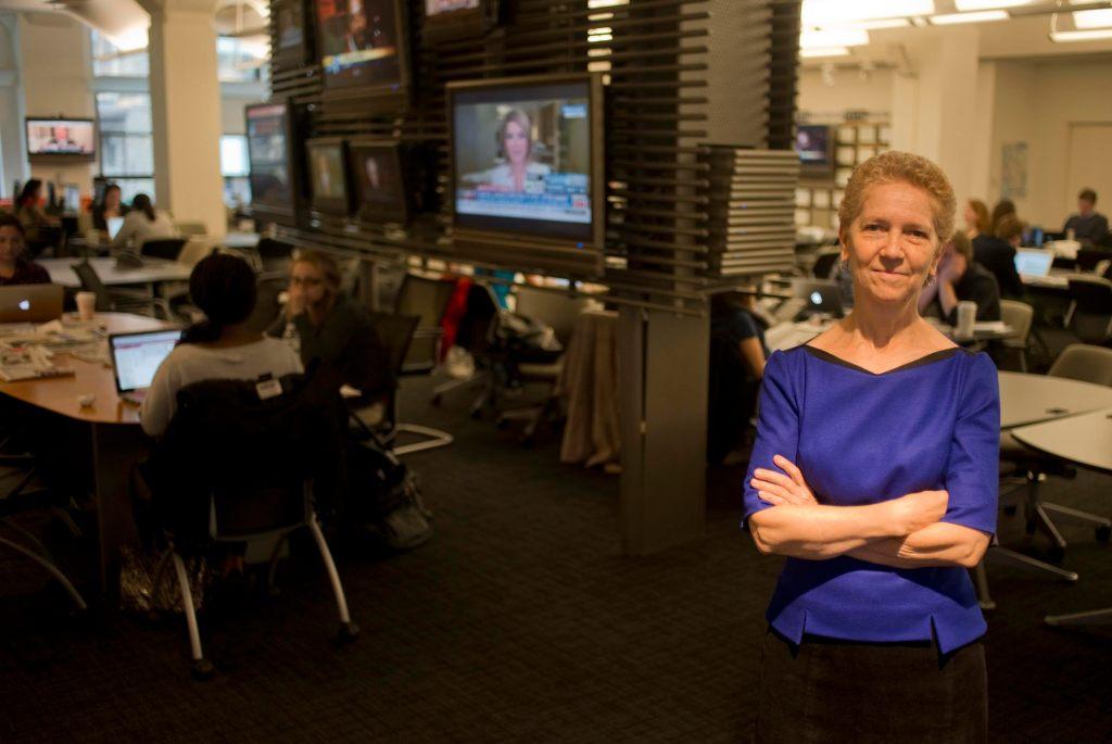 Sarah Barlett, decana de la CUNY School of Journalism.