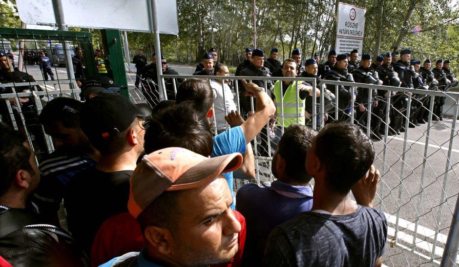 Hungría detiene a decenas de migrantes en la frontera