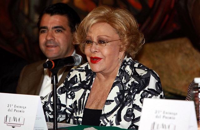 Frida Sofía se casó sin Silvia Pinal ni Alejandra Guzmán presentes